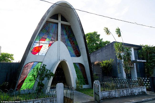 Toàn cảnh biệt thự sang trọng dành riêng cho người quá cố tại Philippines