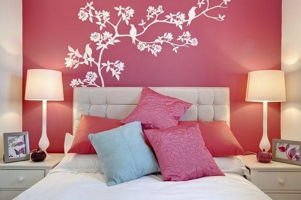 Trang trí phòng ngủ đón Tết với những chiếc gối rực rỡ màu sắc
