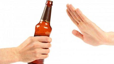 chăm sóc bệnh nhân hội chứng cai rượu
