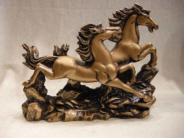 Đôi ngựa đồng nhỏ để bàn làm việc