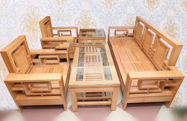 Bàn ghế phòng khách được làm từ gỗ sồi