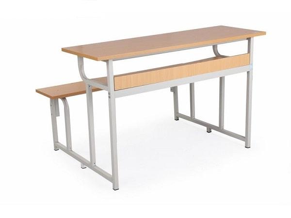 Bàn ghế học sinh được làm từ gỗ công nghiệp MFC