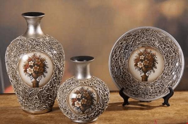 Vật trang trí bằng gốm sứ tốt cho tuổi Nhâm Thân