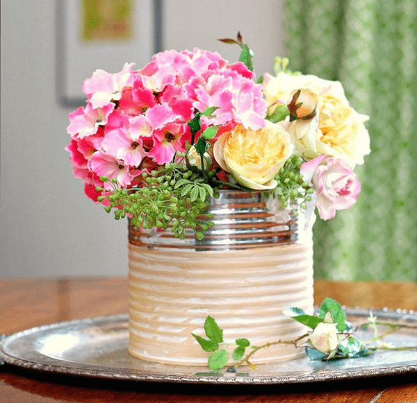 Ý tưởng trang trí phòng làm việc bằng hoa tươi Sử dụng đồ thủ công/handmade