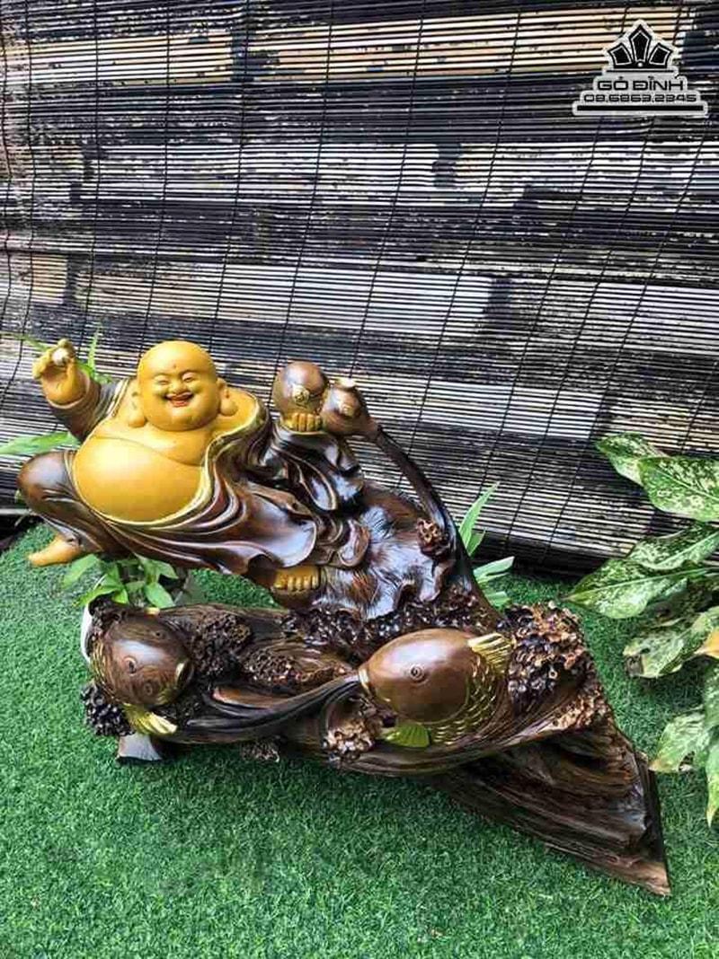 Tượng Phật Di Lặc Cưỡi Cá Chép Gỗ Bách Xanh